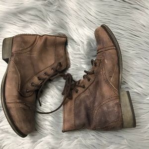 Steve Madden combat boots distressed leather US 7